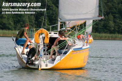 kurs żeglarski rejs szkoleniowy na patent żeglarski rekreacyjny mazury jeziora obóz wędrowny dorośli młodzież IMG_3307-1a