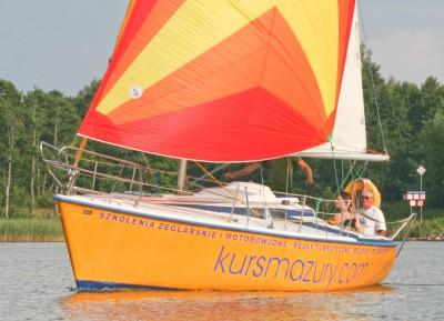Stacjonarny KURS ŻEGLARSKI dla młodzieży, szkolenie na patent Żeglarza Jachtowego - Mazury