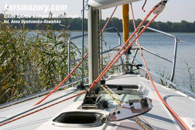 kurs żeglarski rejs szkoleniowy na patent żeglarski rekreacyjny mazury jeziora obóz wędrowny dorośli młodzież IMG_4692-1a