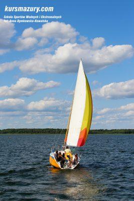 kurs żeglarski rejs szkoleniowy na patent żeglarski rekreacyjny mazury jeziora obóz wędrowny dorośli młodzież IMG_5345-1a