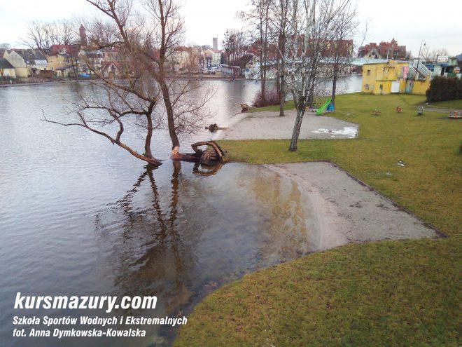 powódź na Mazurach Mikołajki plaża IMG_20180106_145621a