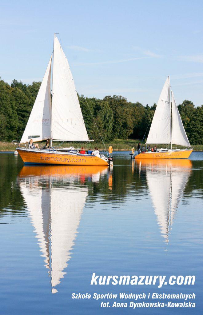 kurs żeglarski rejs szkoleniowy na patent żeglarski rekreacyjny mazury jeziora obóz wędrowny dorośli młodzież czarter jacht tango 780