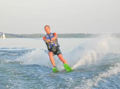 kurs na licencję na holowanie narciarza wodnego lub innych obiektów pływających
