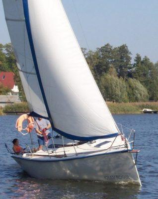 twister 800 jolly roger czarter mazury kurs rejs zeglarstwo sporty wodne regaty oboz patent szkolenie